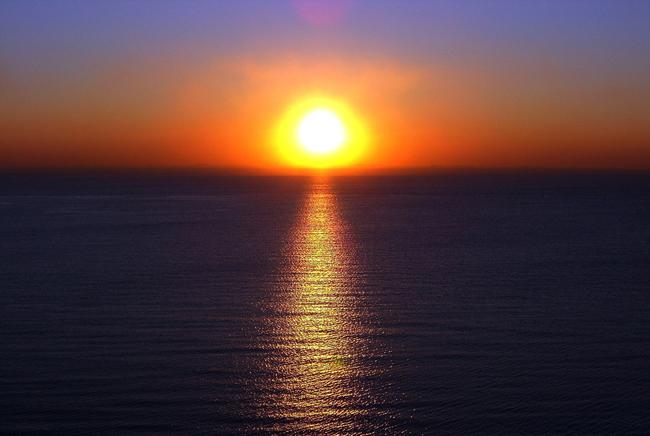 日出是大自然的奇观,向往着希望和光明.图片