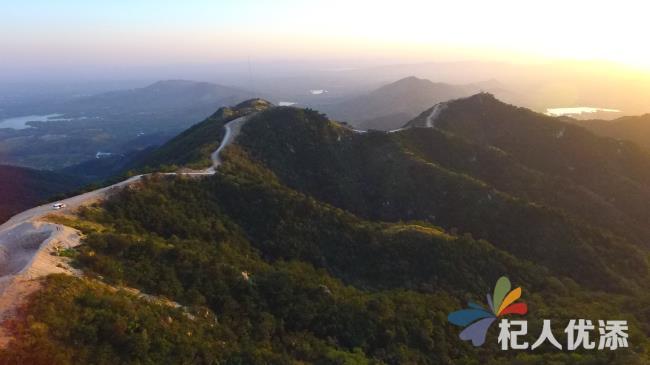 新泰市太平山森林公园:如入桃源遇仙境 日出日落皆为景